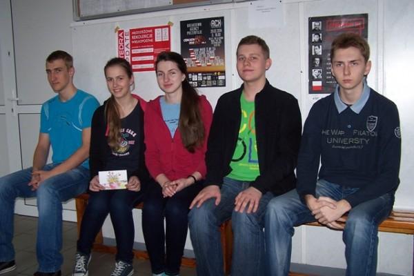Uczniowie kl. I h, którzy wzięli udział w akcji charytatywnej