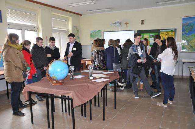 Gimnazjaliści licznie brali udział w lekcji otwartej z geografii