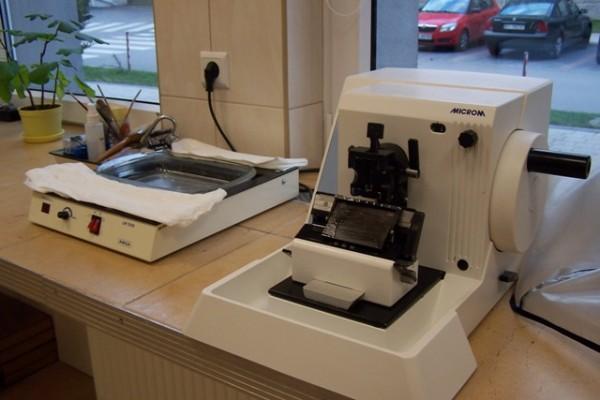 Sprzęt wykorzystywany w pracowni histopatologicznej