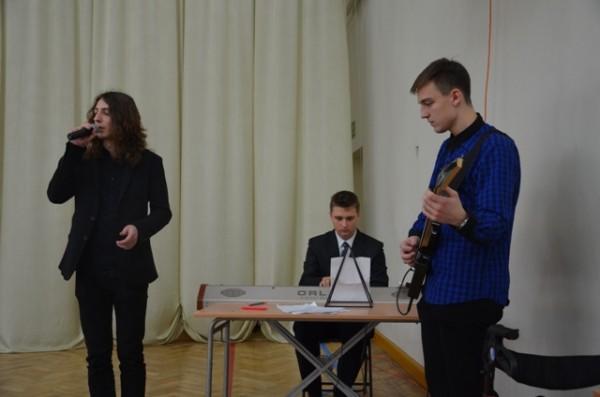 Karol Jaroszewicz, ucz. kl. II g, Dariusz Chrzanowski, ucz. kl. II i  i Andrzej Kossuth, ucz. kl. II i