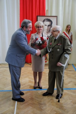 Pani Dyrektor Małgorzata Górniak,Pan Jan Żądło – fundator Nagrody Dobrego Polaka oraz Pan Adam Jasiński