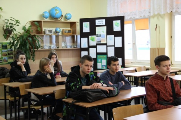 Gimnazjaliści zainteresowani nauką w klasie o profilu matematyczno-geograficznym