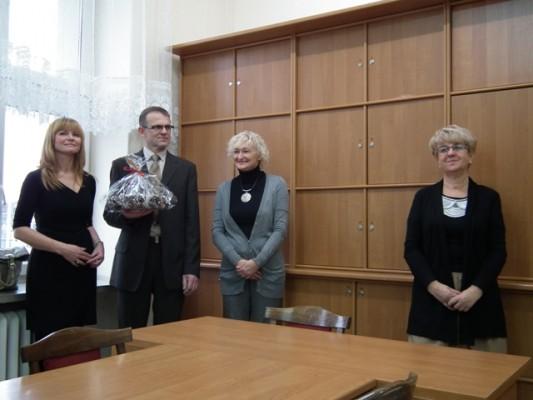 Reprezentanci Komitetu Studniówkowego Rodziców oraz Pani Dyrektor Małgorzata Górniak