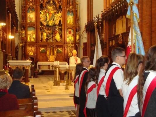 Uroczystą Mszę celebrował Ksiądz Arcybiskup Edward Ozorowski