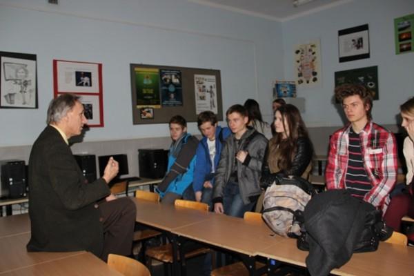 Pan Adam Borysiewicz opowiada o działalności Klubu Integracji Europejskiej