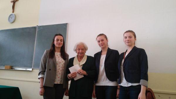 Z Panią prof.dr.hab. Wandą Popiak twórczynią Olimpiady Języka Łacińskiego