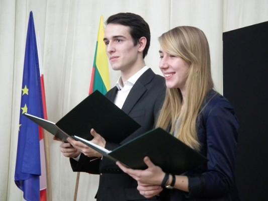 Kongres prowadzili Weronika Żochowska, ucz. kl. III f i Michał Ejsmont, ucz. kl. II i
