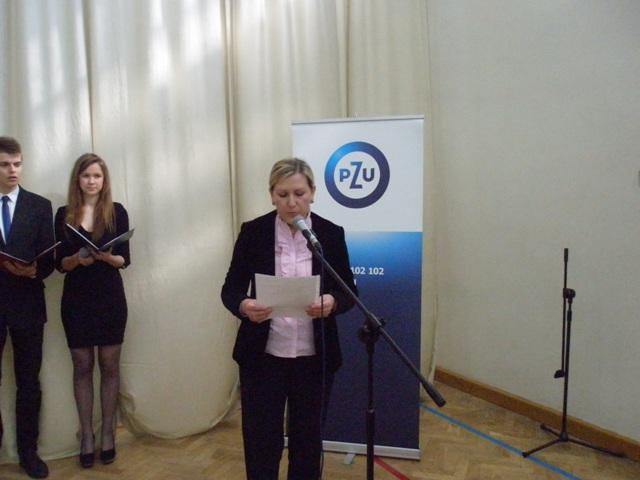 Pani Ewa Bogusz-Durczak przedstawia sylwetki tegorocznych laureatów nagrody