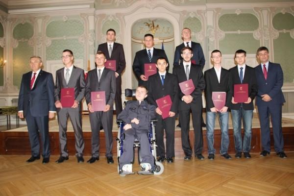 Piotr Arciuch, ucz. kl. III b i Michał Goworko, ucz. kl. III b wśród stypendystów za innowacyjną myśl techniczną