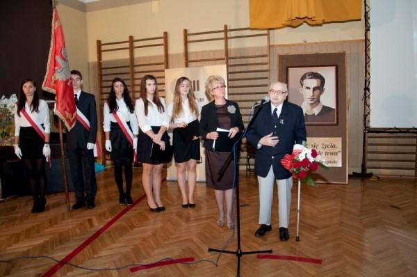 Pani Dyrektor Małgorzata Górniak i pan Jan Żądło – fundator Nagrody Dobrego Polaka