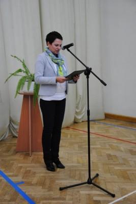 W imieniu wychowawców klas pierwszych głos zabrała Pani Beata Parciak – nauczycielka matematyki