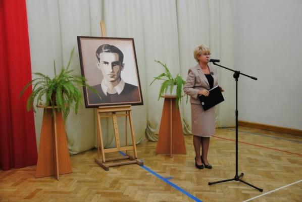 Pani Małgorzata Górniak – Dyrektor III LO podczas zebrania z rodzicami uczniów klas pierwszych