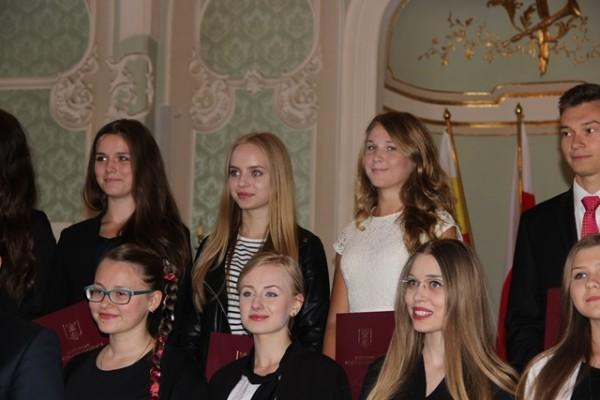 Zuzanna Siemieniako, ucz. kl. III d otrzymała stypendium artystyczne