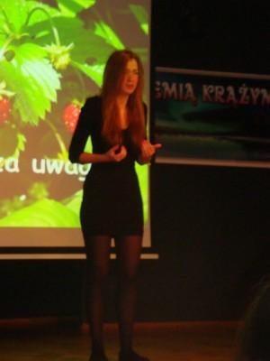 Jowita Kropiewnicka, laureatka nagrody głównej w konkursie recytatorskim