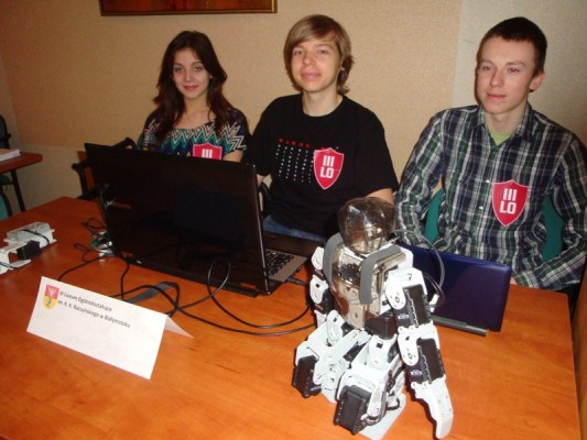 Martyna Nitkiewicz (IIb), Jakub Czarniecki (IIIb) i Rafał Niewiński (II B)