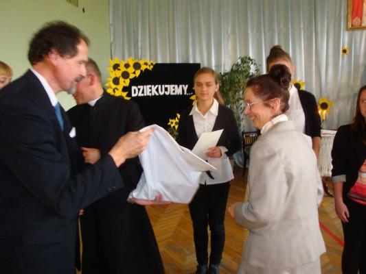 Nagrodę odbiera Justyna Proniewska