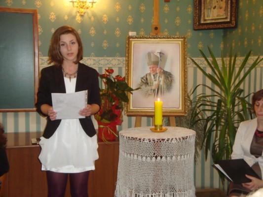 Swoje wiersze czyta Diana Błażewicz z kl. III h