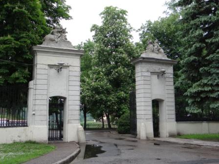 Wejście na zamek w Grodnie- miejsce podpisania III rozbioru Polski