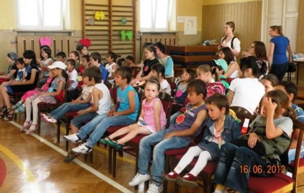 dzieci uchodźców 16.06.2012 III LO 011