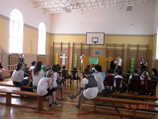dzieci uchodźców 16.06.2012 III LO 015