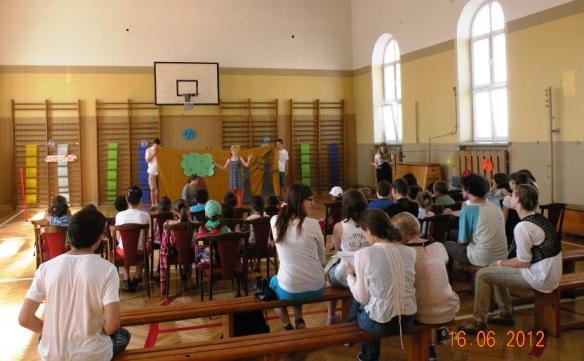 dzieci uchodźców 16.06.2012 III LO 019