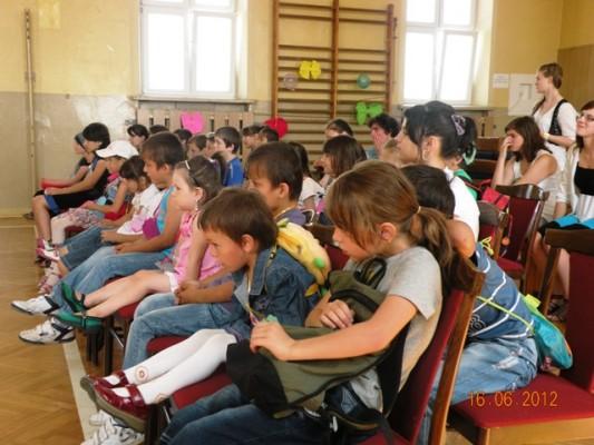 dzieci uchodźców 16.06.2012 III LO 020