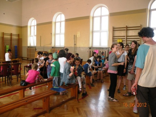 dzieci uchodźców 16.06.2012 III LO 022