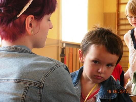 dzieci uchodźców 16.06.2012 III LO 042