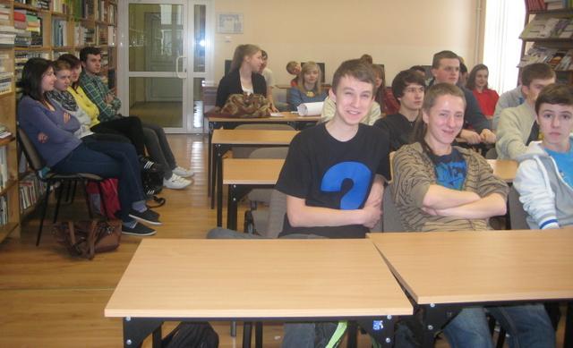 Uczniowie z klasy IIF i III H